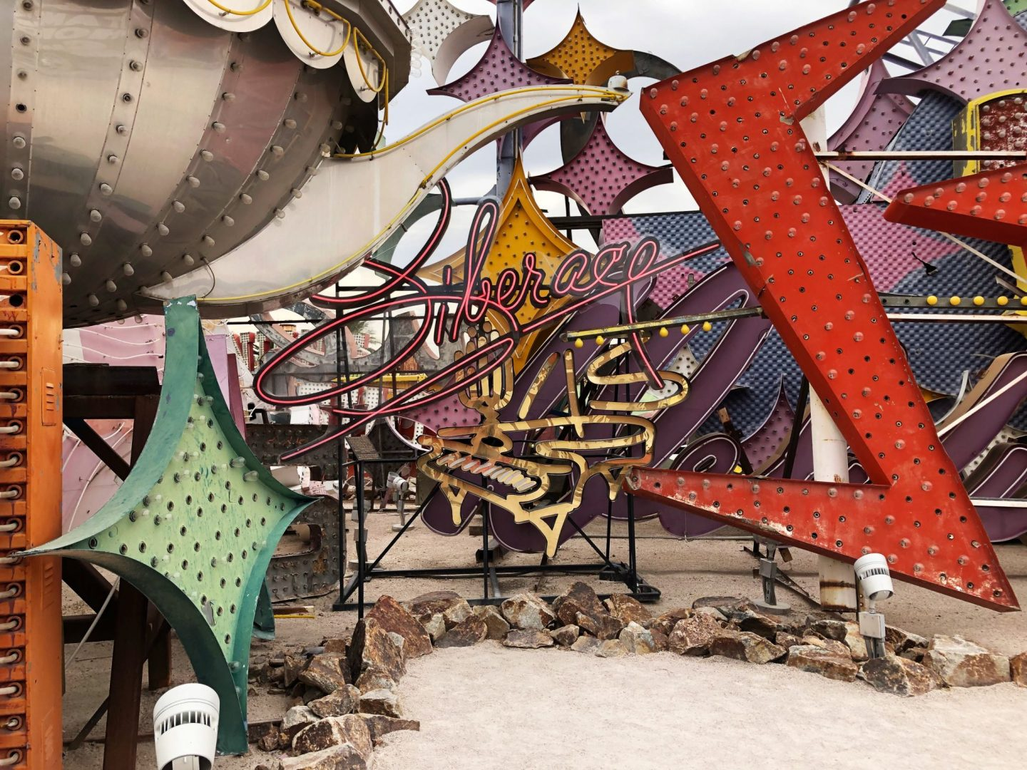 Neon museum las vegas – neon museum las vegas reviews – how to get to neon museum las vegas – museums in las vegas – las vegas art museum – things to do when in vegas