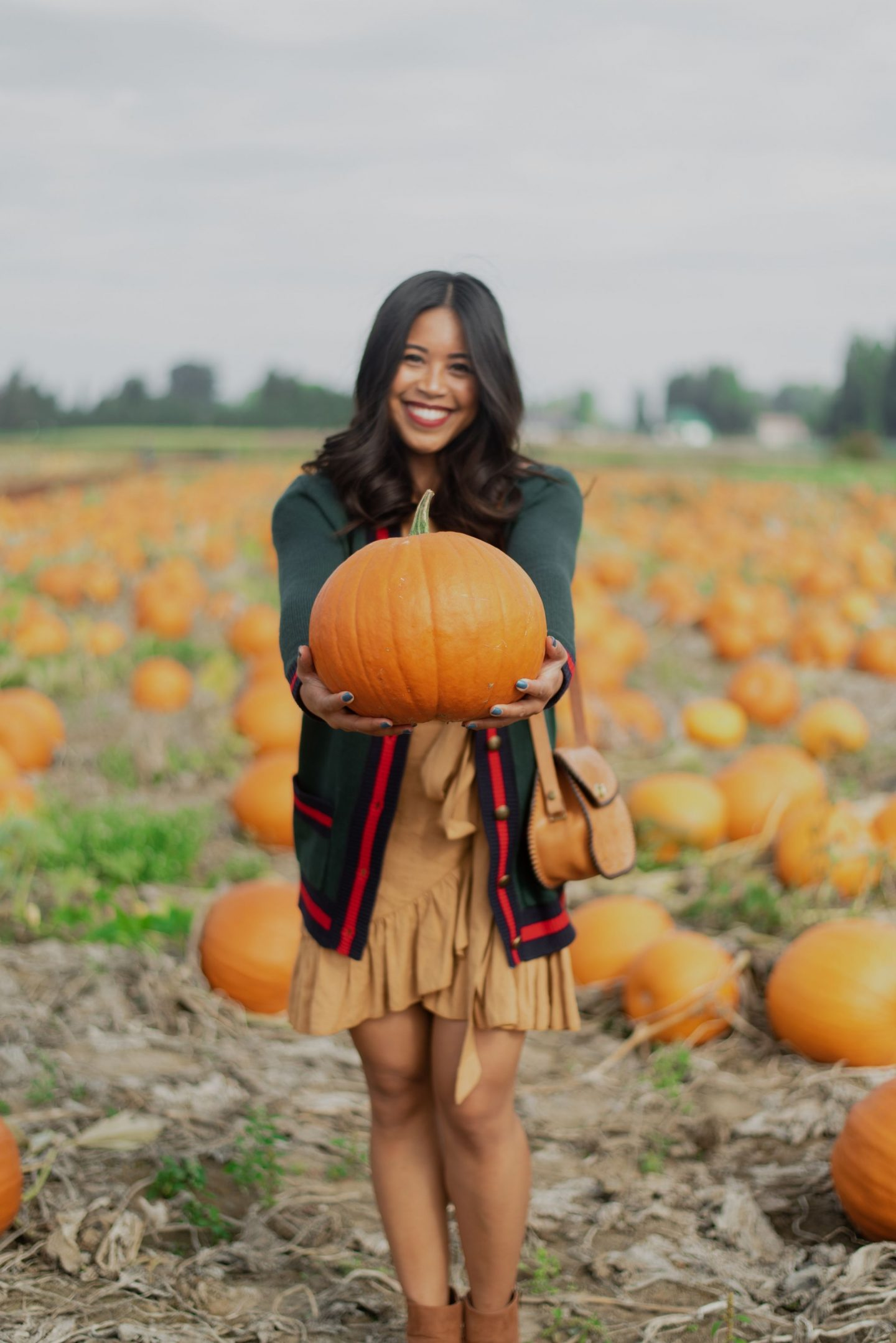 Pumpkin patch outfit ideas – pumpkin patch outfits – pumpkin patch clothing – cutest pumpkin in the patch outfit – fall outfits 2018 –fall outfits inspo – what to wear this fall – cute fall outfits 2018 – fall outfit ideas 2018 – autumn outfit ideas – fall fashion trends 2018