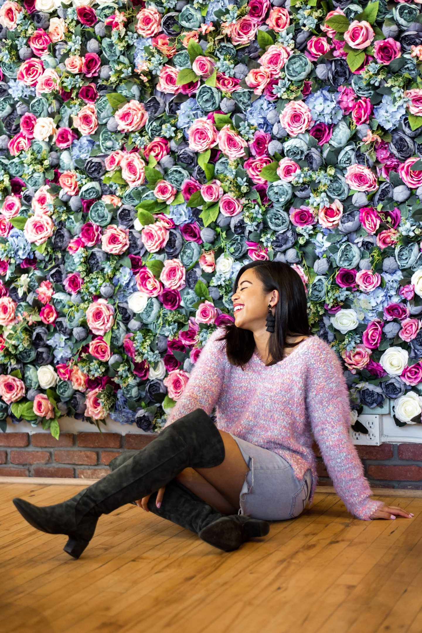Seattle's Most Instagrammable Places - Seattle's Most Instagrammable Places in Ballard – Instagram worthy places in Seattle – instagrammable spots – most instagrammable places in Washington state - floral wall - poke lover ballard