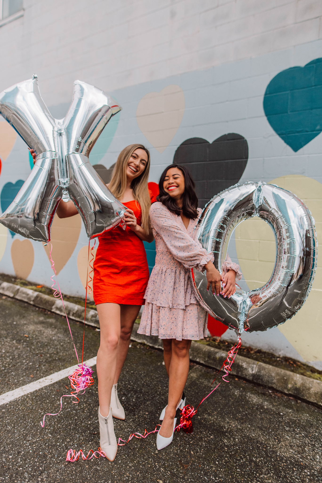 Valentine's Day posing ideas – Valentine's Day photo shoot ideas – Valentine's Day Inspiration – Galentine's Day Photo Shoot – Valentine's Day photo shoot props – Seattle blogger – Seattle style – Petite blogger – Seattle Washington