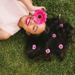 How to pose with flowers – posing tips for Instagram – photography posing ideas – how to pose for Instagram – Instagram poses – cute Instagram poses