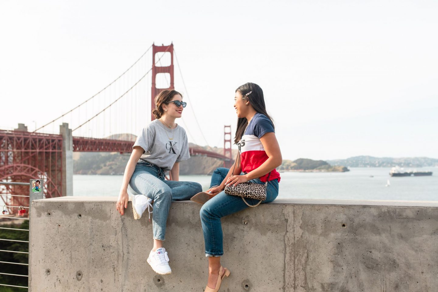 Golden Gate Bridge San Francisco - Best friend posing ideas - how to pose with friends