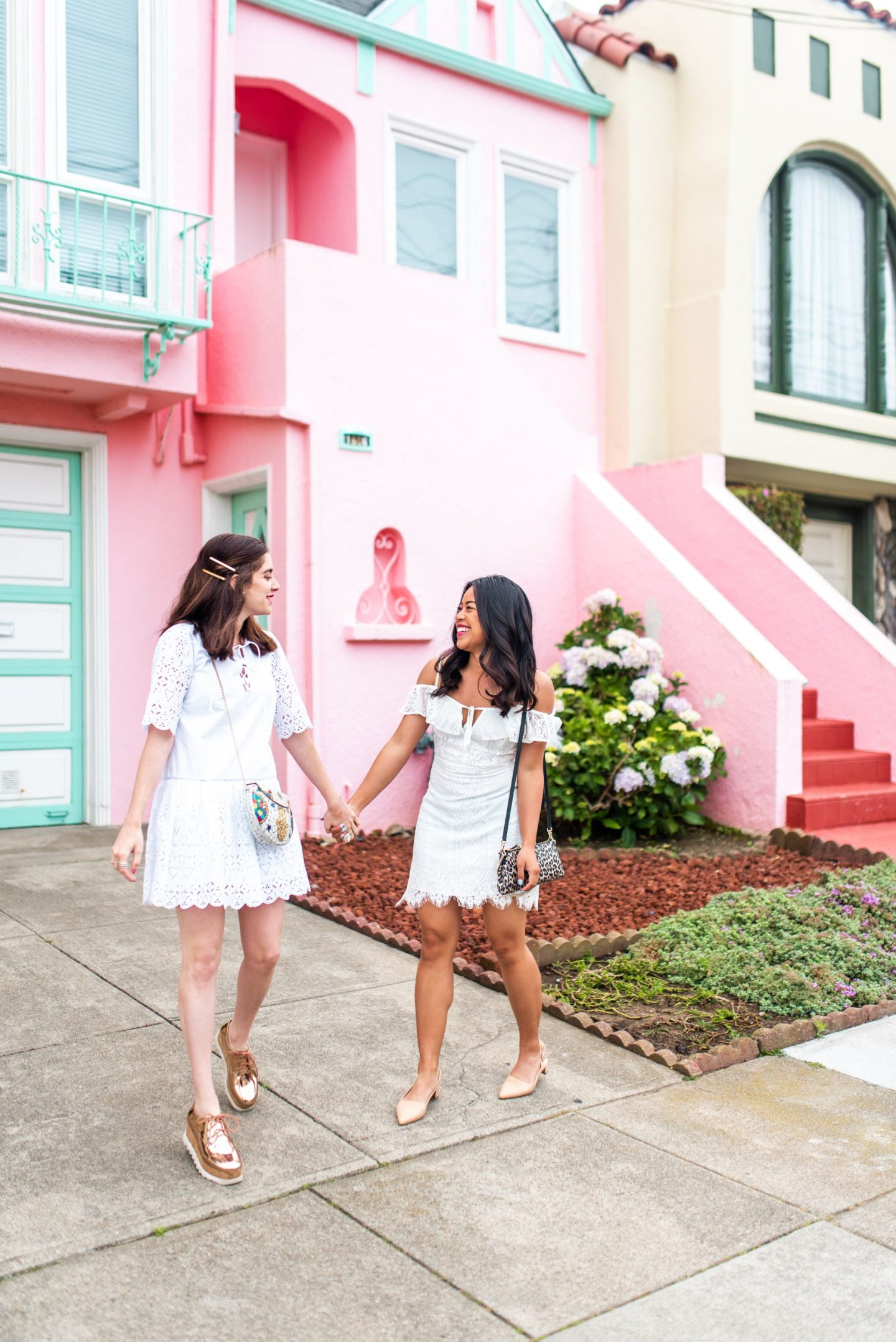 San Francisco Sunset Neighborhood - Bright Pink House - Best friends
