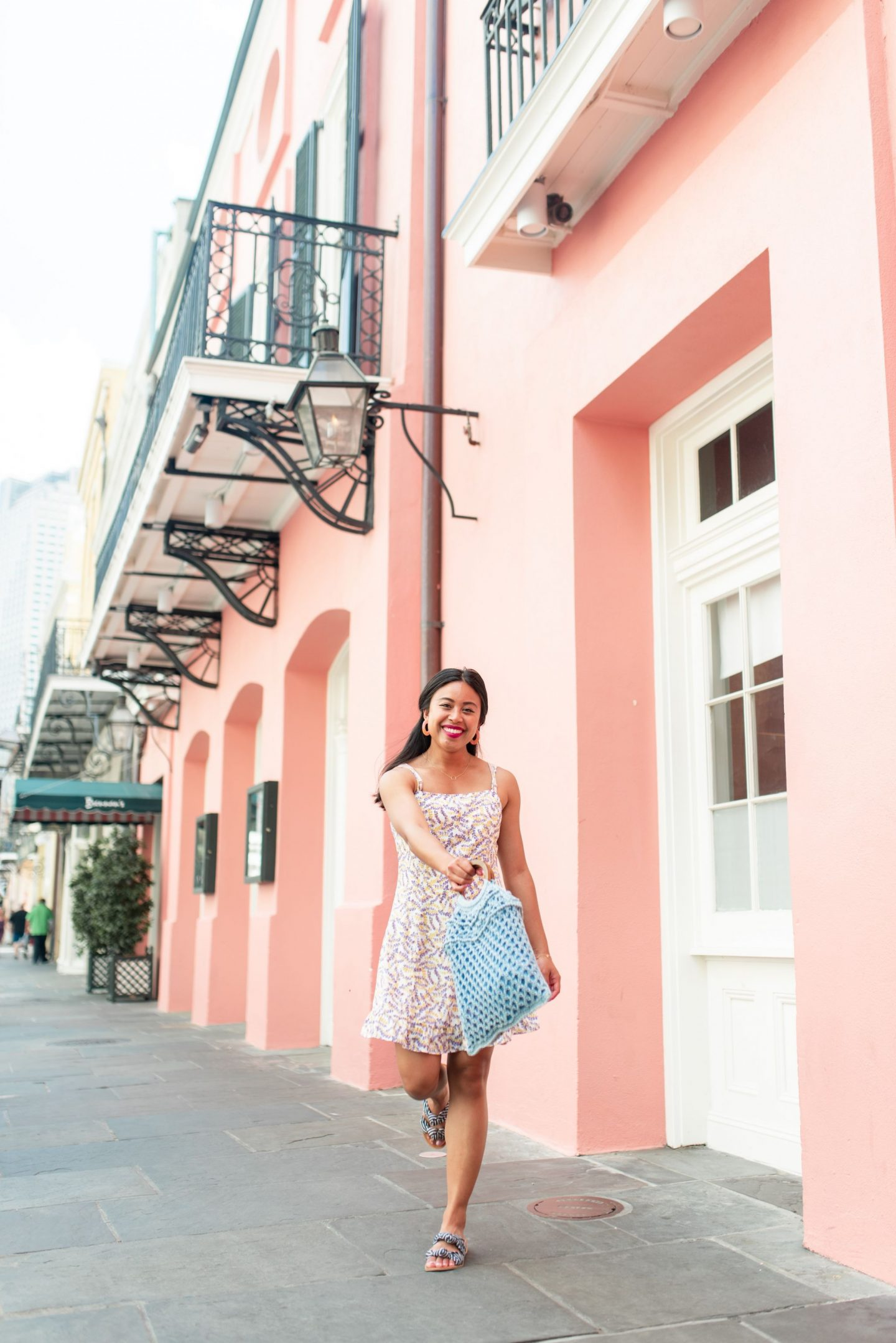 Brennans - Most instagrammable Places in Orleans – best photo spots in New Orleans – new Orleans street photography – Instagram worthy spots in new Orleans – NOLA Instagram spots