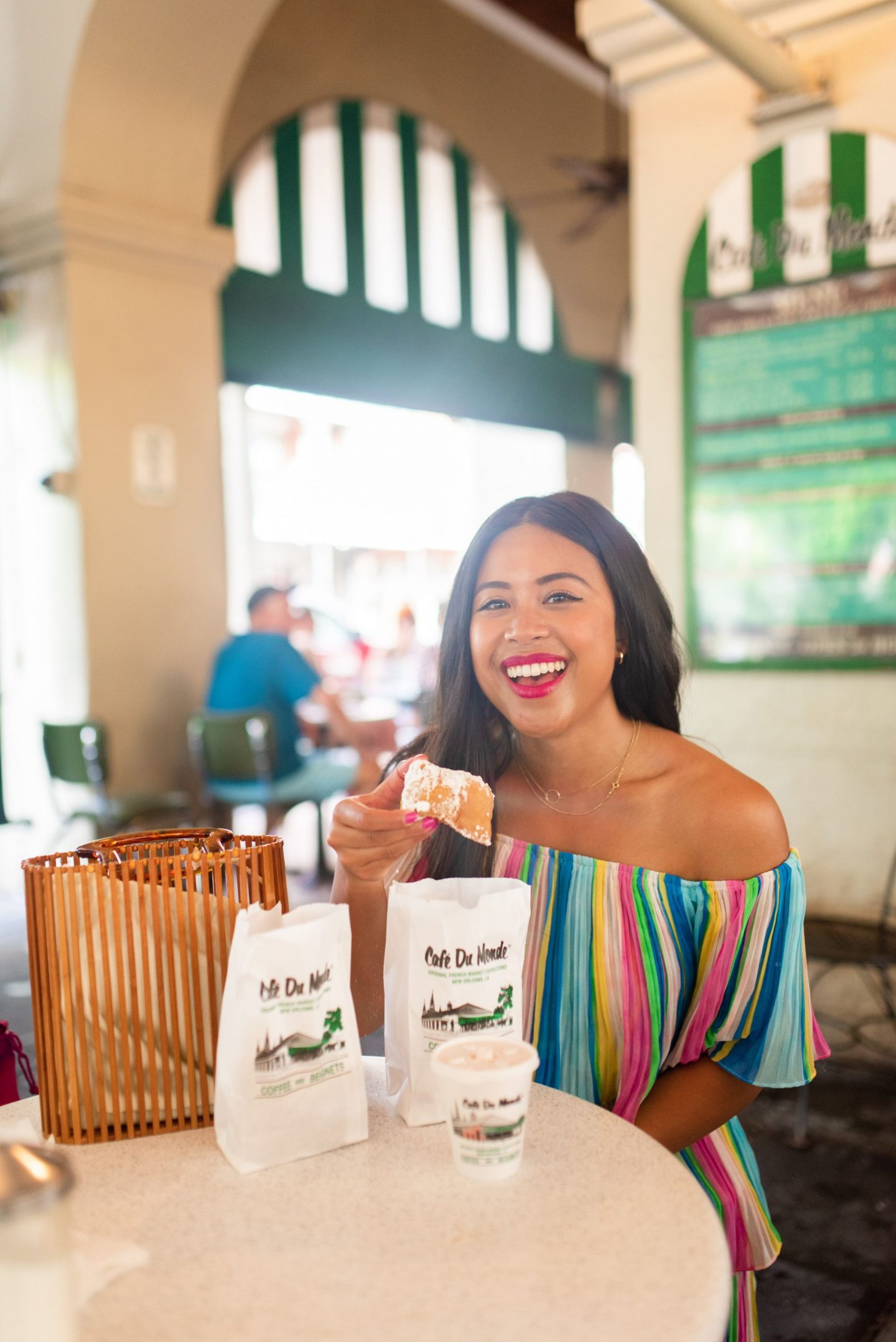 cafe du monde - Top photography spots in the French Quarter – photo locations New Orleans - Free places to take photos in New Orleans – best places to take senior photos in New Orleans – New Orleans photo shoot – French quarter photo shoot – best pla