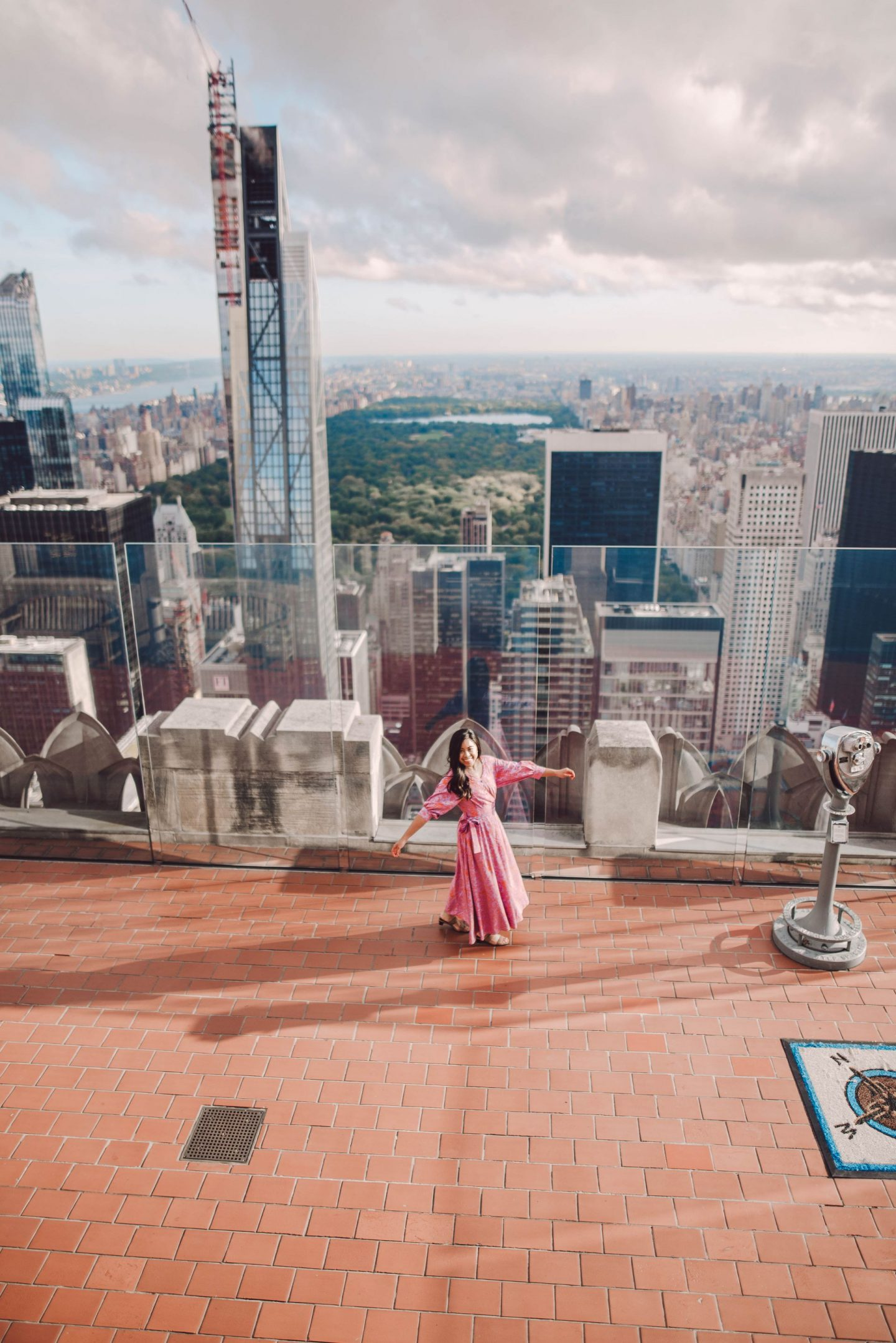 top of the rock photography tips – visiting the top of the rock – top of the rock tips – best attractions in New York city – Instagram spots in New York City – Things to do in New York City – great photo at top of the rock