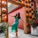 How to Pose at a Pumpkin Patch – Pumpkin Patch photo shoot – Emma's Edition