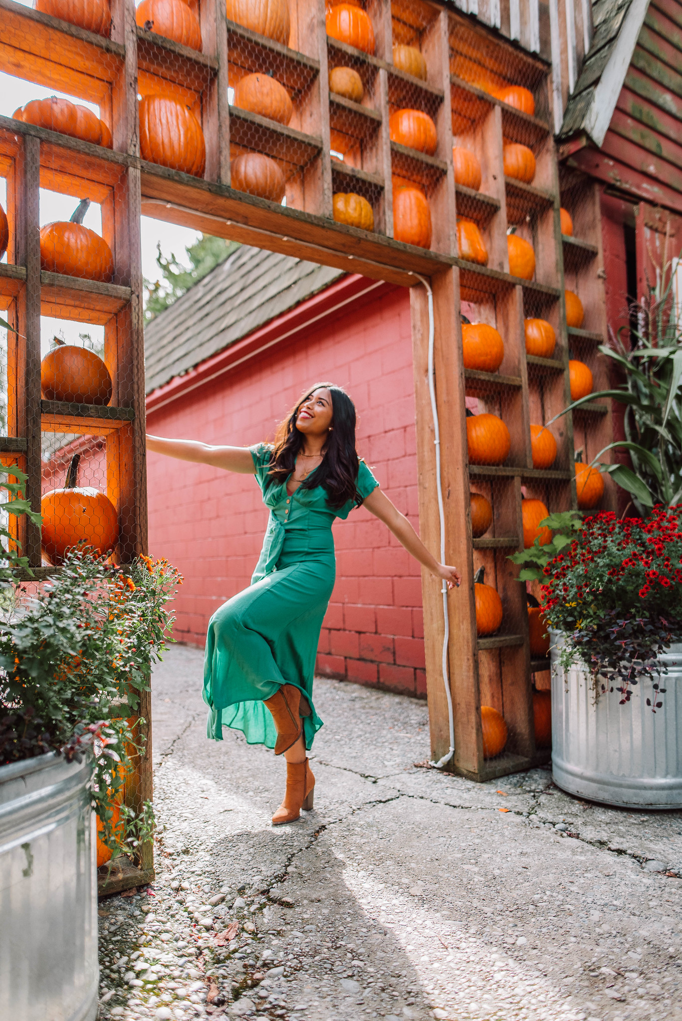 How to Pose at a Pumpkin Patch: 8 Poses You Can Try