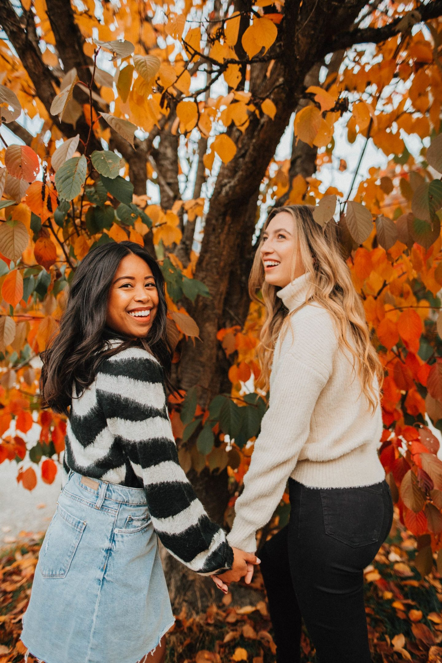 cute fall sweaters - best friends - emma and maddy - greenlake seattle