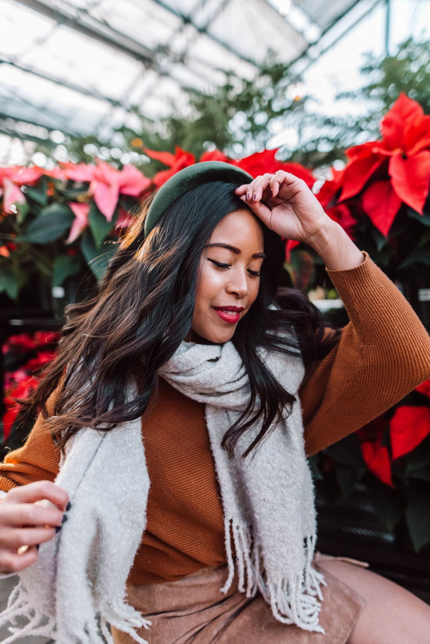 poinsettias - winter photo ideas - winter photo ideas Instagram – winter photo shoot – winter photo outfits - winter photo shoot ideas for women – Winter outfit ideas - winter outfit ideas for women casual
