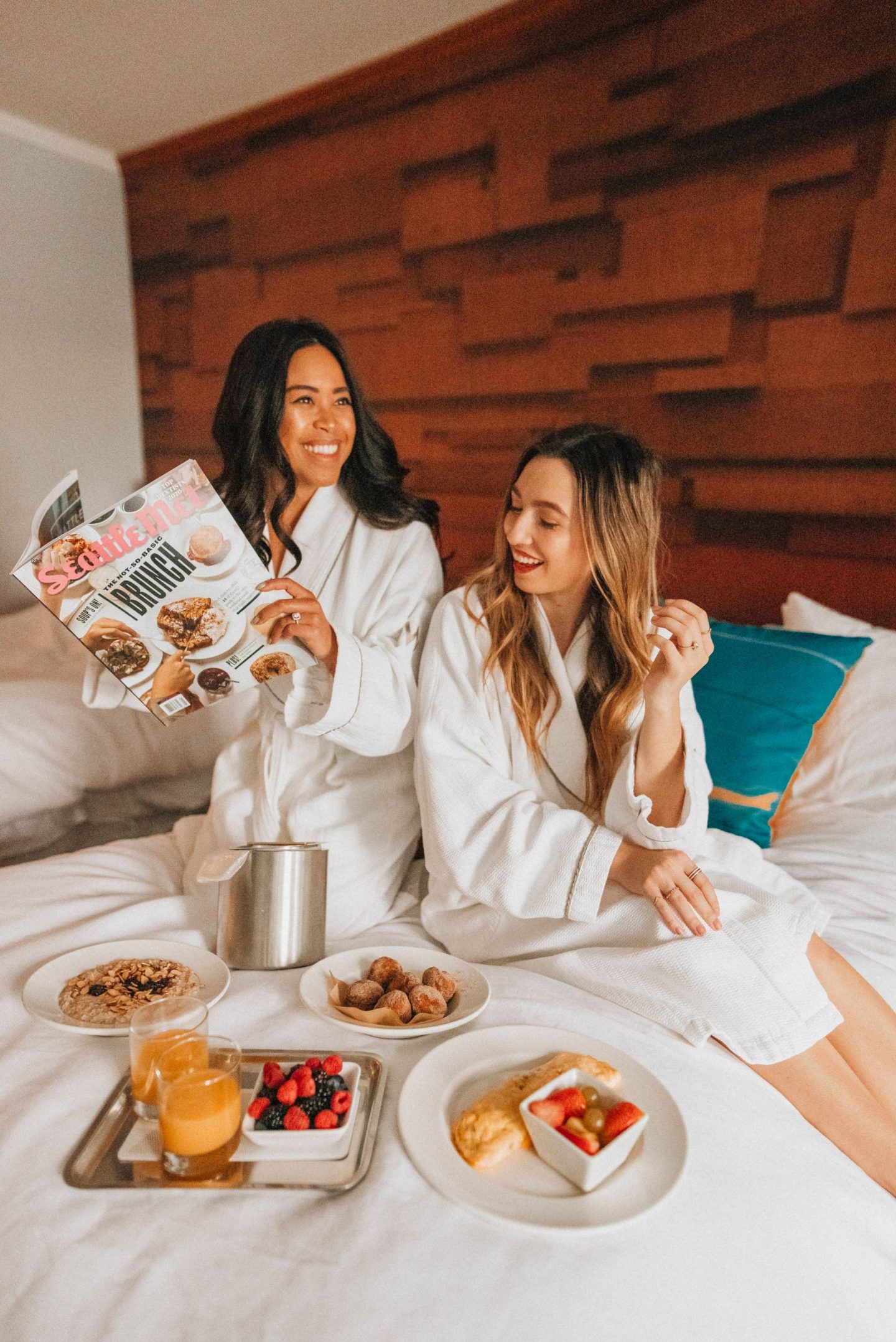 Brunch in bed - Emma's Edition - hotel photo ideas - hotel photo shoot - W Seattle