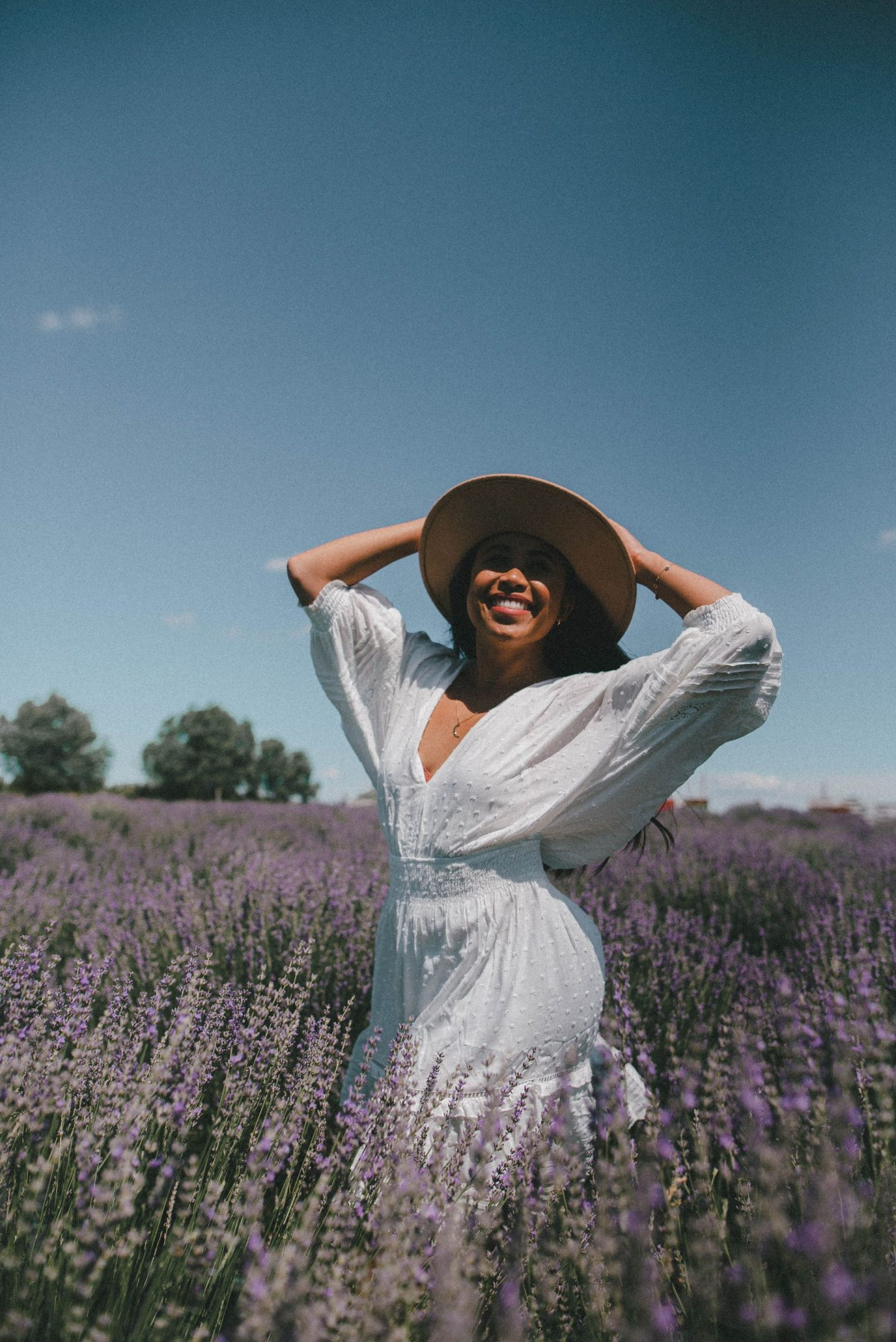 Love Stitch Clothing - Lavender field aesthetic – lavender field photo shoot outfit – lavender field – lavender field dress – Emma's Edition – things to do in Eastern Washington – Explore Washington State - Seattle blogger – Eastern Washington – Quincy Washington