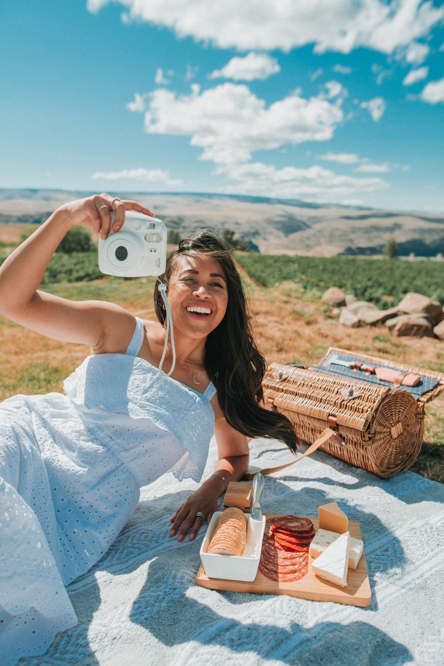 8 Picnic Photo Shoot Ideas You Can Try