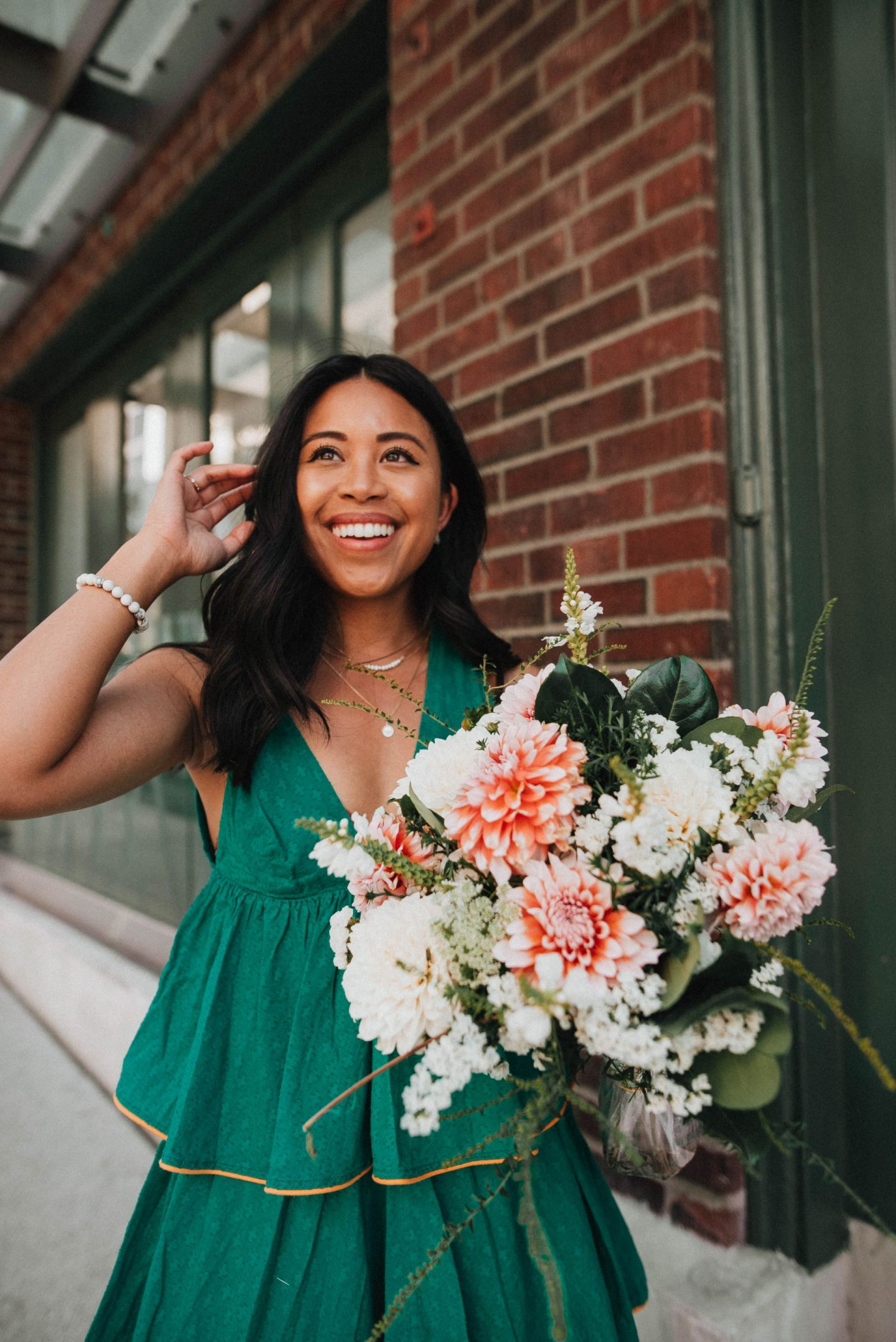 Emma's Edition - Pike Place Market Flowers - Petite Blogger - Petite Style