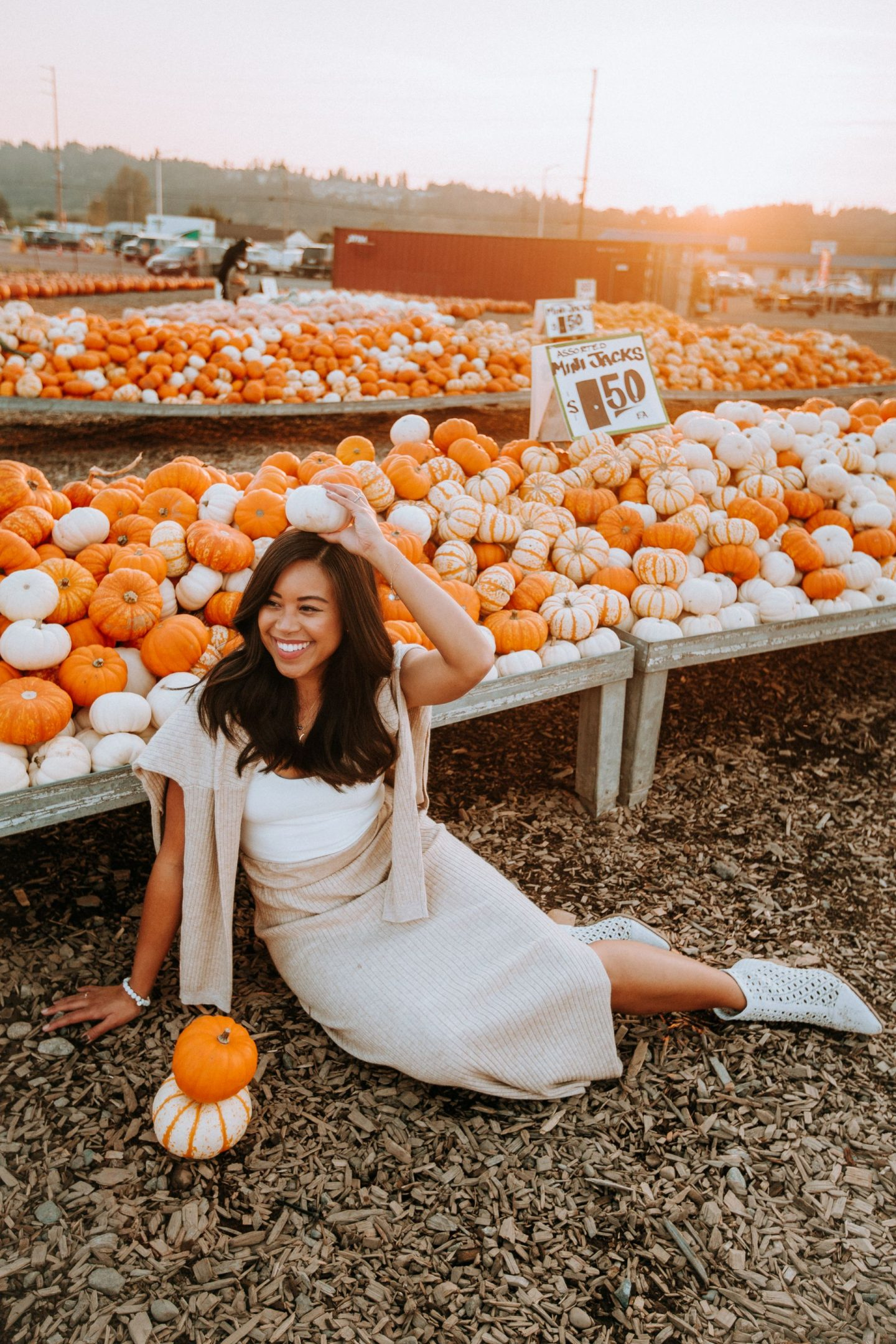 Fall wardrobe staples - fall outfit ideas - fall style - fall outfit inspiration - fall pumpkin patch outfits
