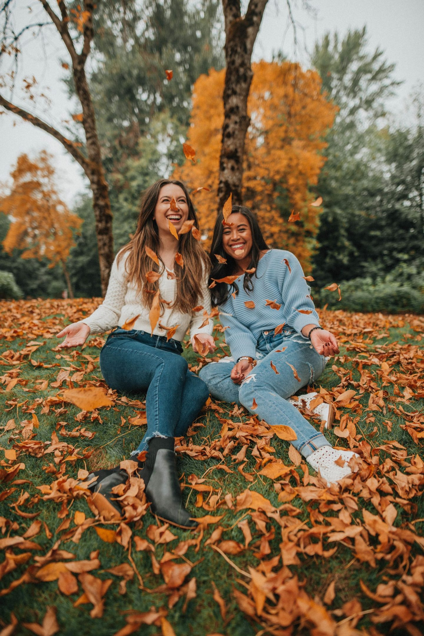 10 Fall Photo Ideas with Friends