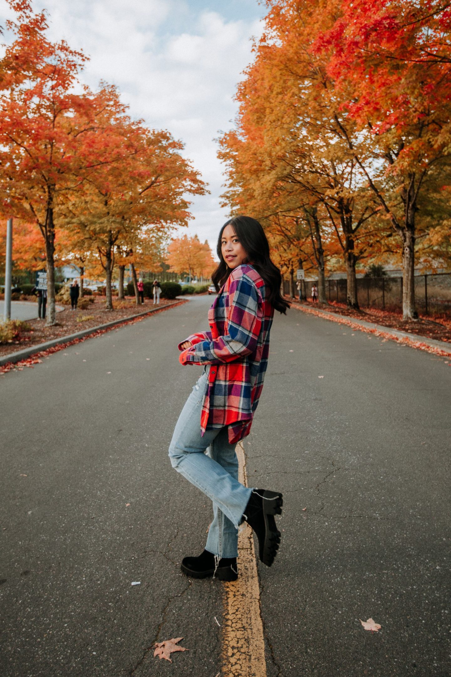 Shacket - oversized plaid jacket - flannel outfit ideas -- Lug Boots - Fall Leaves in the Pacific Northwest - Fall outfit ideas for women - - image copyright @emmasedition - www.emmasedition.com