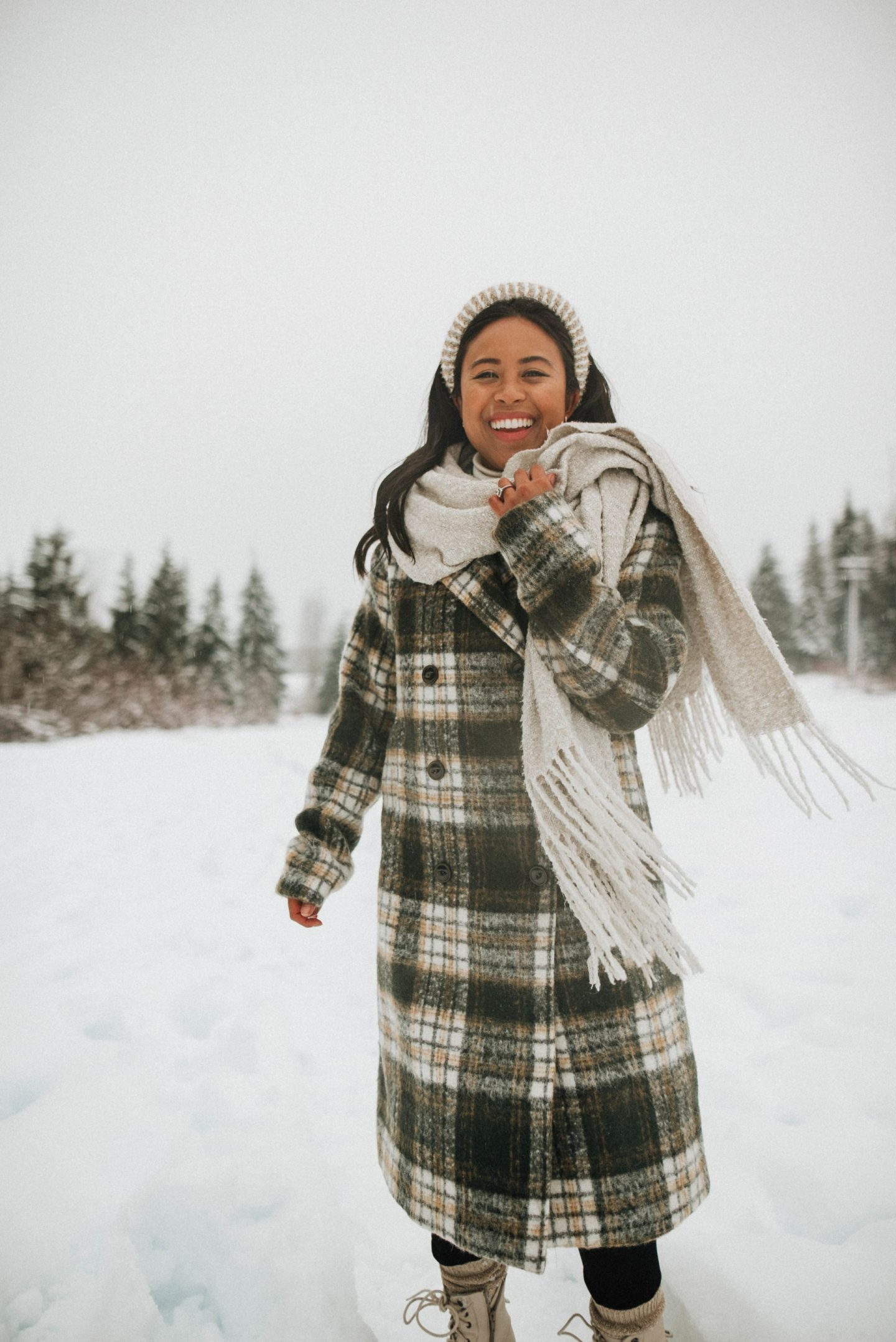 How to Find Health Insurance as a Freelancer in Washington State - winter outfit ideas - taking blogging full-time - taking content creation full-time - Snoqualmie Pass - image from @emmasedition - www.emmasedition.com