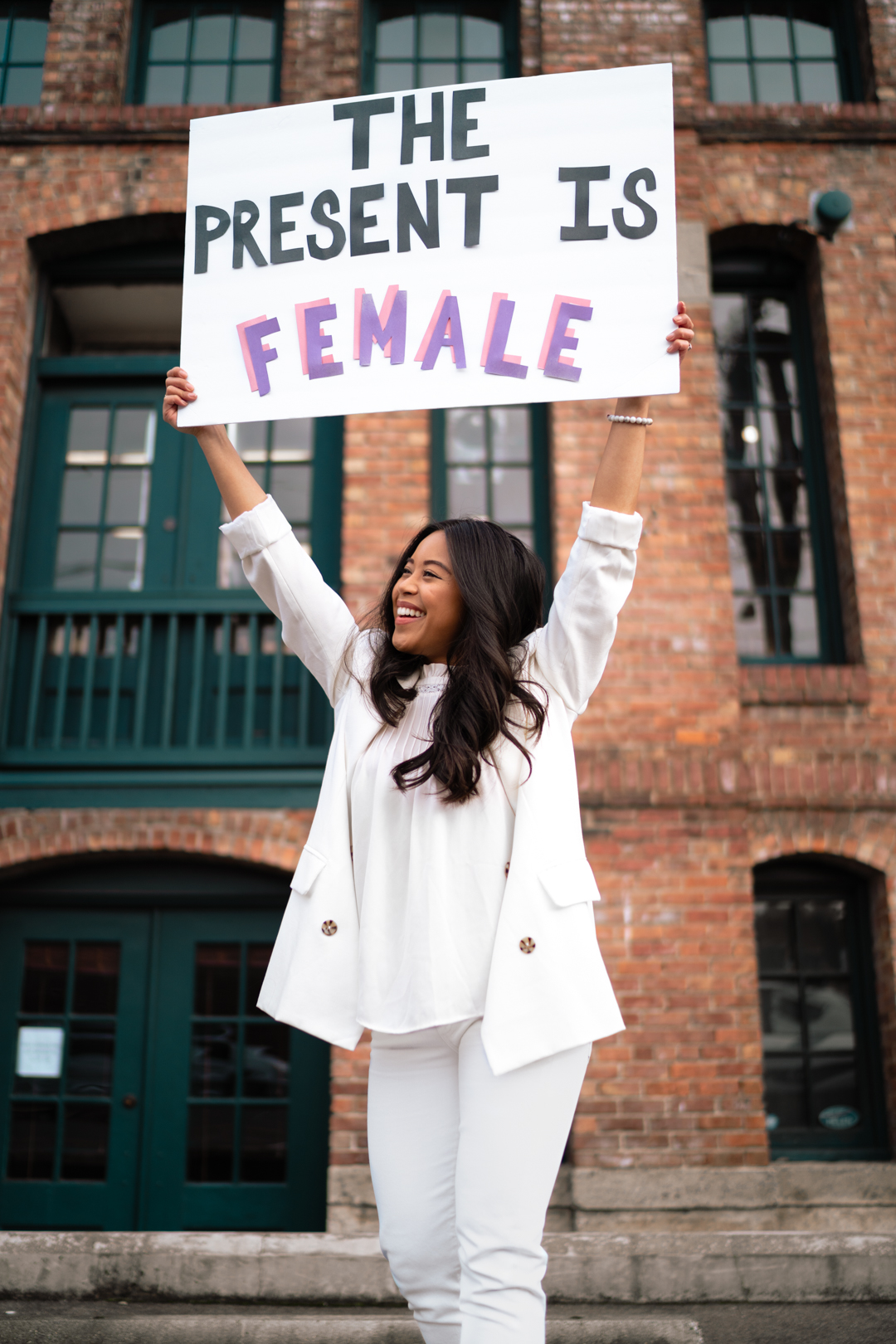 Inauguration Day 2021 - Kamala Harris inspired outfit - Women in White Suits - image from www.emmasedition.com - copyright @emmasedition