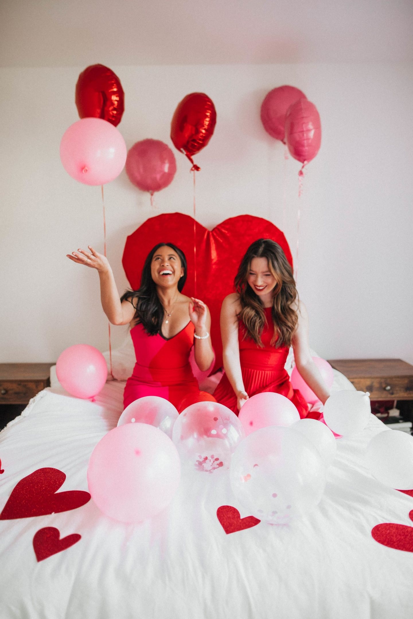 Balloon photo shoot ideas - best friend photo shoot ideas - birthday photo shoot ideas - DIY Valentine's Day Photo Shoot Ideas - Valentine's Day DIY crafts - Galentine's Day photo shoot ideas - Valentine's Day weekend - image from www.emmasedition.com - copyright @emmasedition