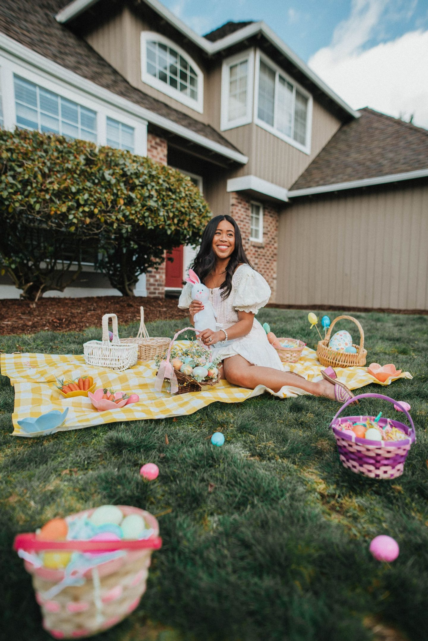 Easter at home - Easter baskets - Easter egg hunt - Easter photo shoot ideas - Easter dresses - Easter outfits - image from www.emmasedition - copyright @emmasedition