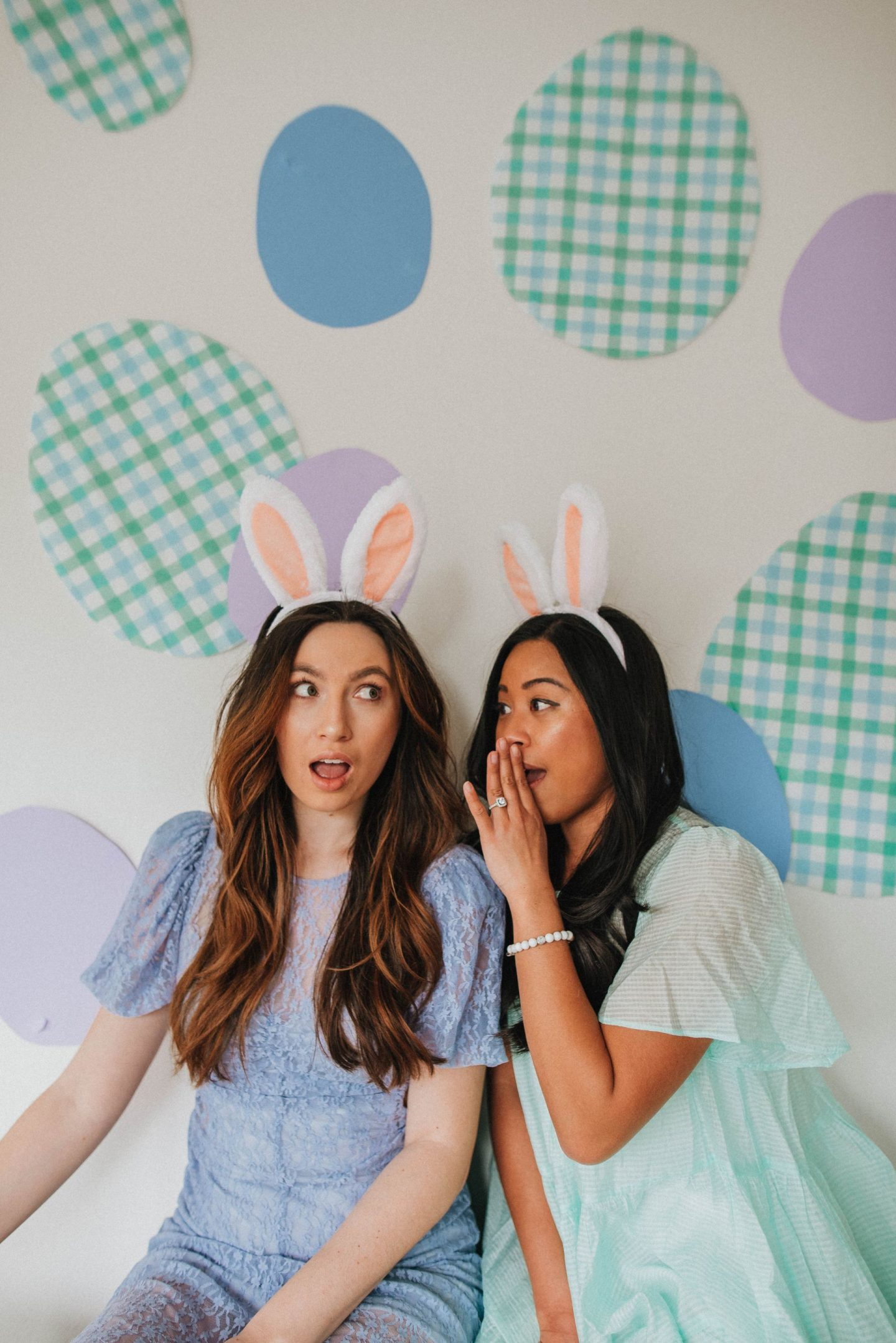 Easter bunny ears - Easter posing ideas - Easter baskets - Easter egg hunt - Easter photo shoot ideas - Easter dresses - Easter outfits - image from www.emmasedition - copyright @emmasedition