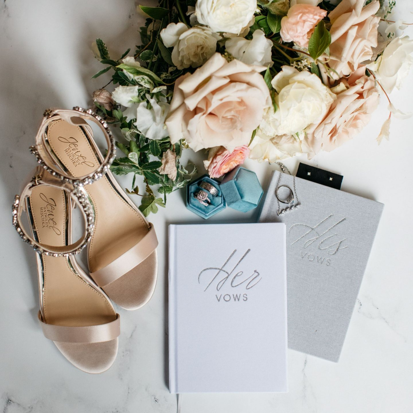 wedding details - wedding planning tips for couples - advice for your wedding day - www.emmasedition.com