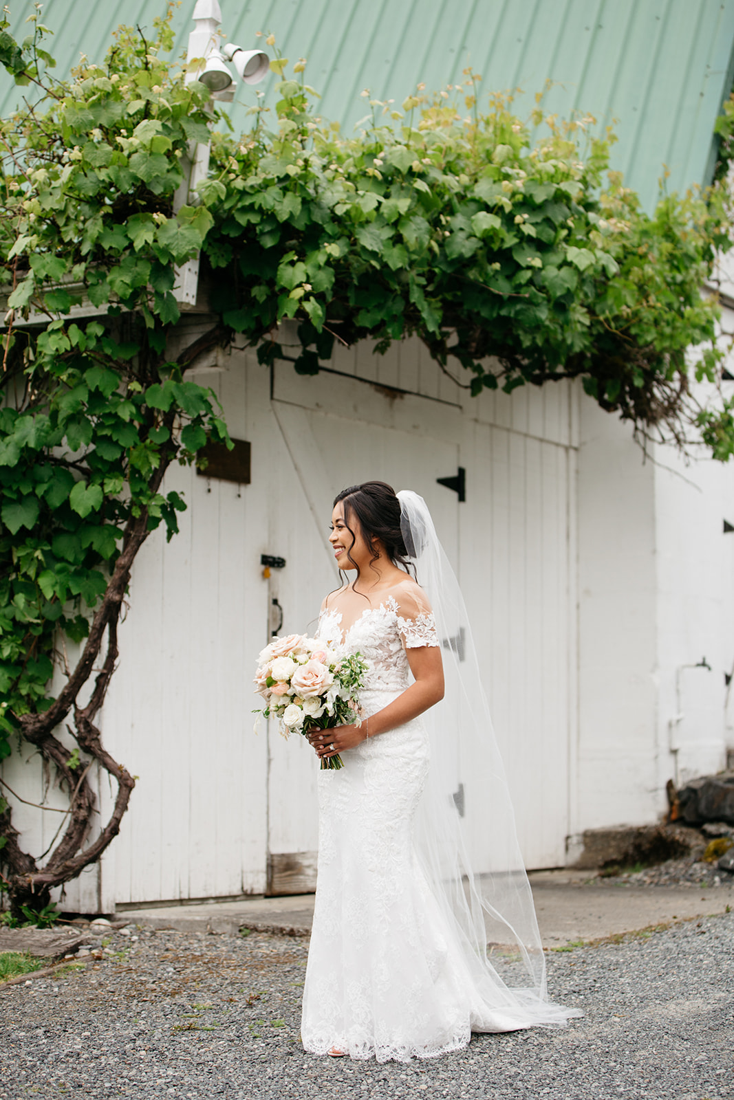 Desiree Hartsock Bridal Gown - Romantic wedding dress in ivory - bridal portrait at Chateau Lill - copyright @emmasedition